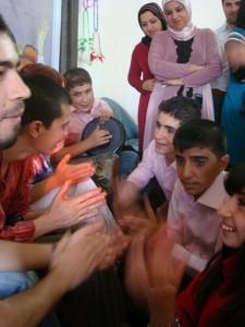 Kurdistan_musique_atelier_Erbil_Amandine-Dehant_Miche-NGuyen_2010 (2)